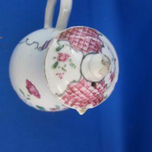 Famille rose Chinees melkkannetje - ca 1750