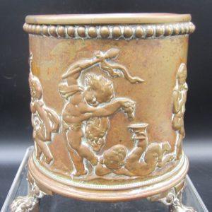 Antiek bronzen sigarenbeker met engeltjes in strijdwagen - 19e eeuw